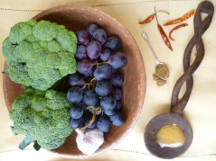 broccoli-and-black-grapes-010.jpg